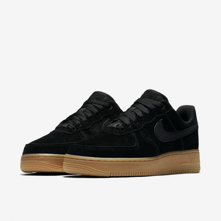 new style 95a8d 7c97d ... Zapatillas Casual Nike Air Force 1 07 SE Mujer Negras Marrones  AA0287-002